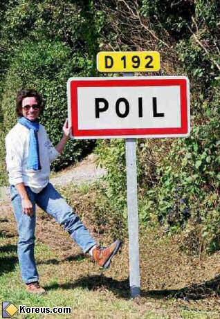 image insolite photo de femme a poil pancarte route departementale D192