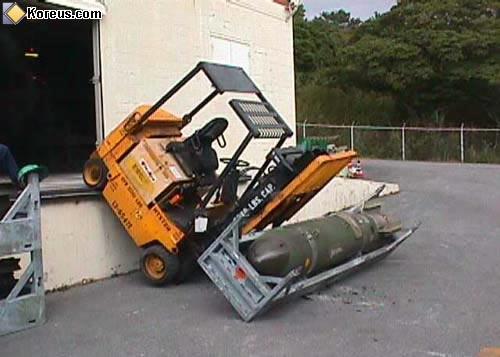 image rigolo transport bombe humour insolite