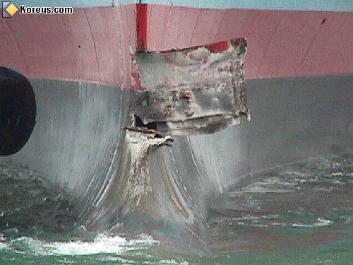 image bateau navire accident port quai humour insolite